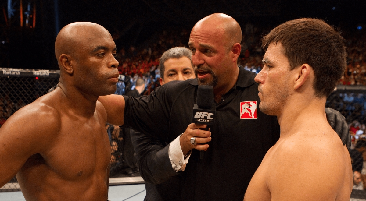 video review : Anderson Silva versus Demian Maia at UFC 112
