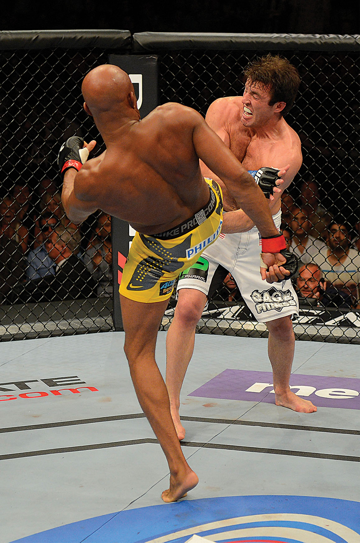 video review : Anderson Silva versus Chael Sonnen at UFC 148