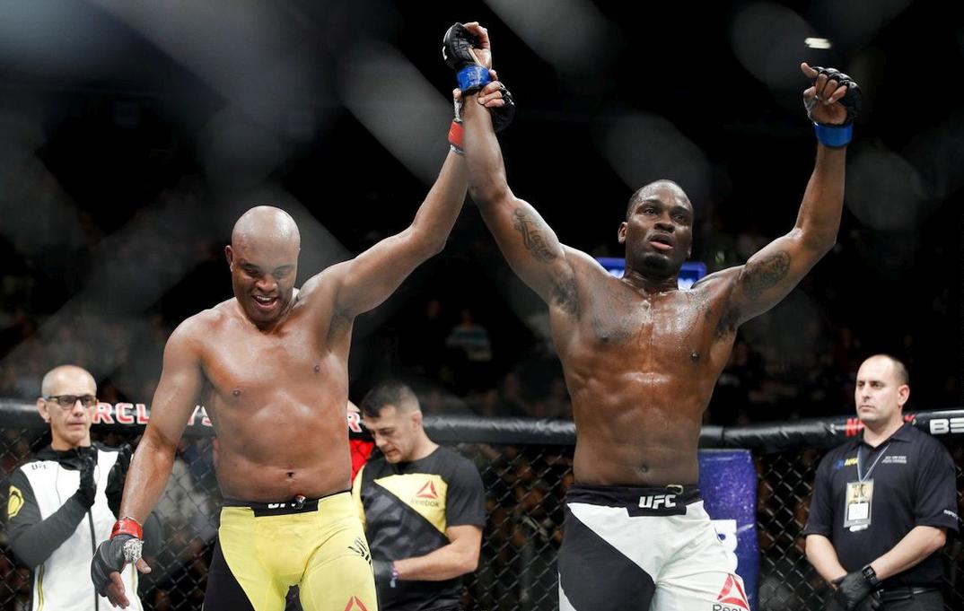 video review : Anderson Silva versus Derek Brunson at UFC 208