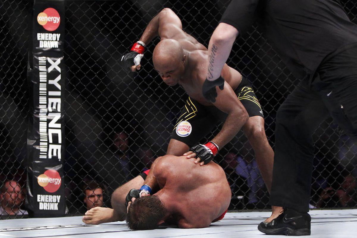 video review : Anderson Silva versus Stephan Bonnar at UFC 153