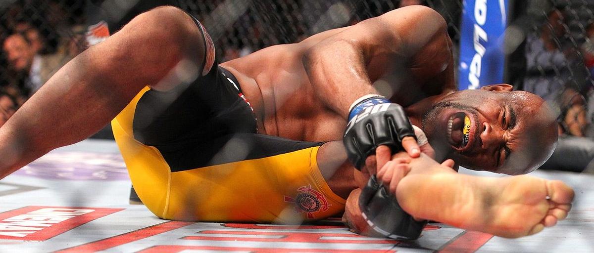 video review : Chris Weidman versus Anderson Silva at UFC 168